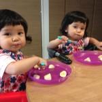 双子のお食事事情【スプーンの練習編】